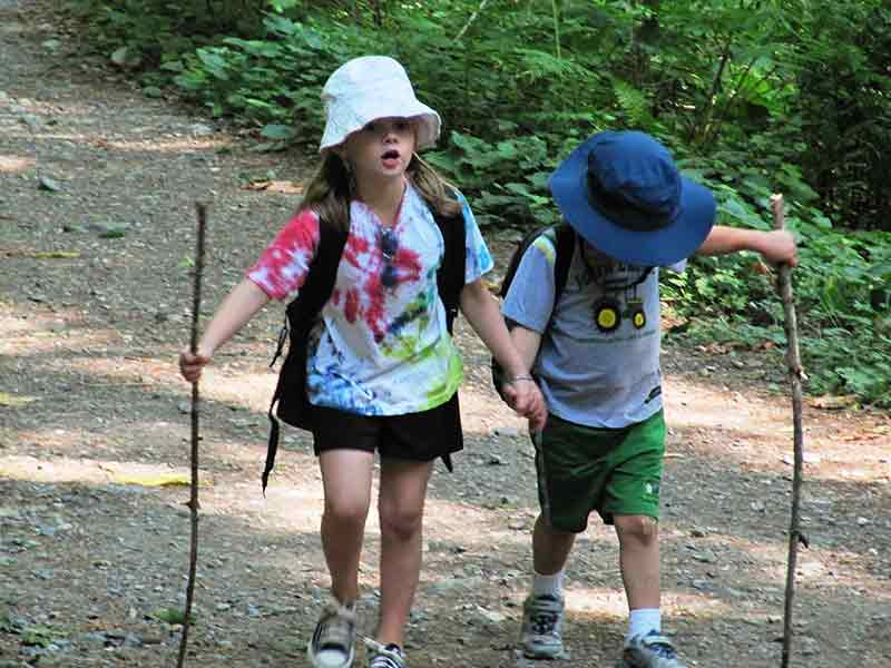 kids_hiking